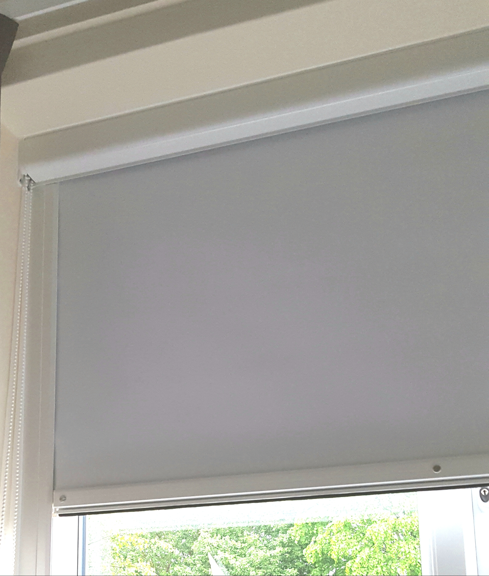 Cassetted Roller Blinds With Side Channels 99 9 Black